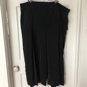 Pleated wide leg black pants